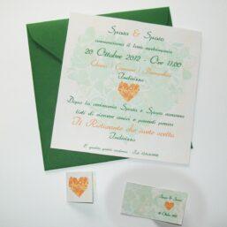 Partecipazione quadrata cuore di fiori arancio e verde