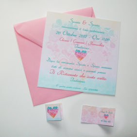 Partecipazione quadrata cuore di fiori sfumata verde acqua e rosa