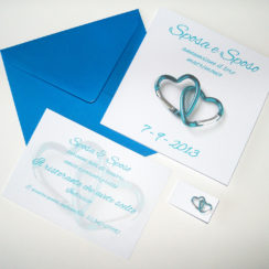 Partecipazione quadrata cuori moschettone blu